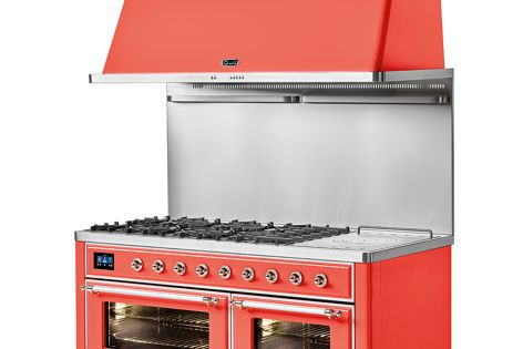In Ilve's Majestic series, all oven functions are programmed and managed by a single 4.3-inch touch screen.