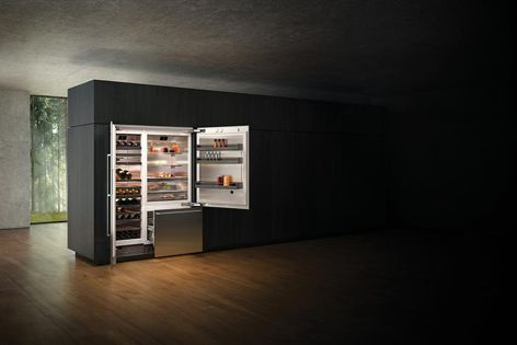 The fully integrated fridge-freezer has two options of opening assist: handleless push-to-open or pull-to-open with handle.