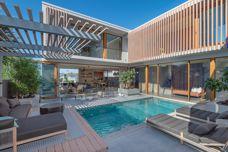 Build smarter with timber-look aluminium