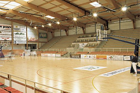 Junckers sports floors are suitable for basketballs courts and professional sporting applications.