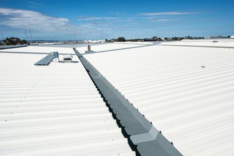 Kingspan Insulated Gutters were used in a high-profile office and workshop project for the Wirtgen Group.