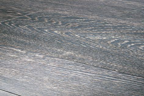 Porcelanosa timber-look tiles
