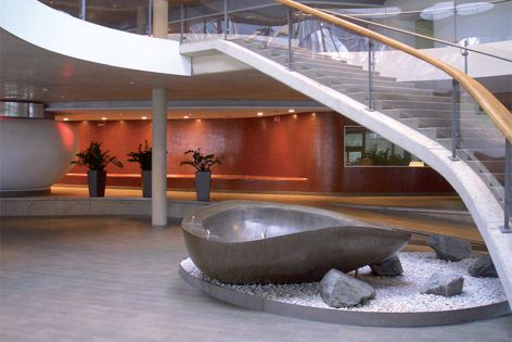 The sculpture at the centre of this hotel lobby is finished in LMT Iron Shiny.
