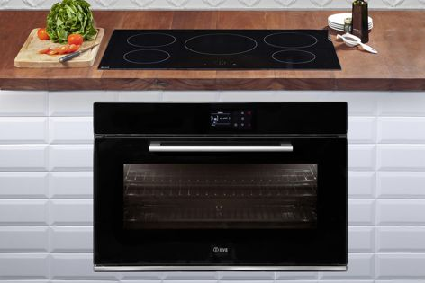 The black built-in ovens by Ilve make cooking easier, with automatic cooking times, weight presets and a smart control panel.