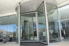 Dorma revolving door systems