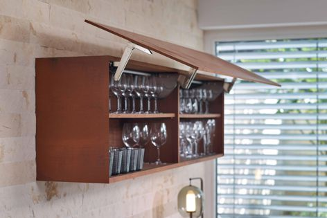 The EXPANDO T fitting by Blum can support cupboard fronts that are as little as 8 mm in thicknes.