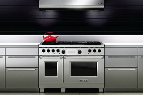 Redesigned Wolf dual fuel oven range.
