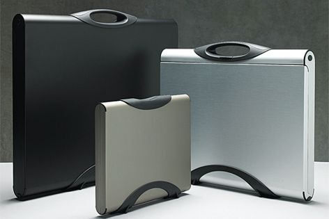 These functional presentation cases are available in three sizes: A2, oversized A3 and A4.