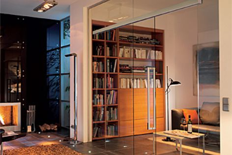 The Agile 150 sliding doors series enables greater light and transparency.