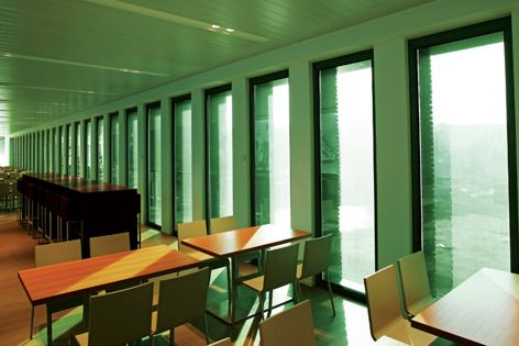 Greenscreen® NRG 3% fabric is suitable for panel glide and roller blind applications