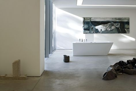 Architect Wiel Arets created the Il Bagno Alessi Dot collection for Laufen.