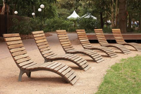 Available in a range of colours and finishes, the Wave Seat from Unisite is ideal for relaxation settings.