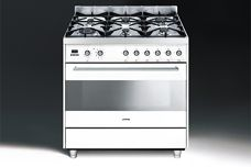 C9 freestanding oven by Smeg