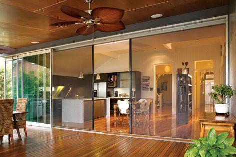 The Centor S1 screen is for extra-large openings in contemporary house designs.