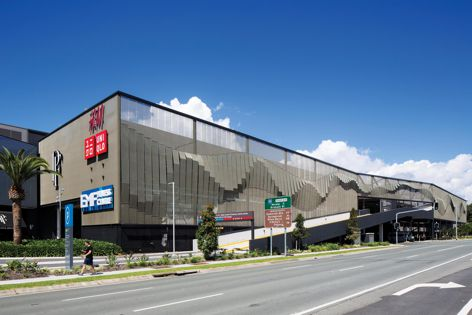 Kaynemaile-Armour was used at the Pacific Fair shopping centre on the Gold Coast, designed by Scentre Group.