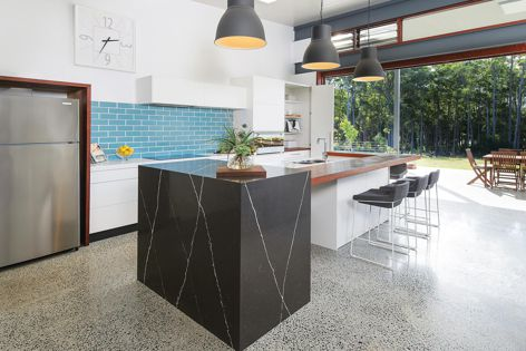 PGH Lagoon glazed bricks were used by Designing Divas to add vibrancy to a kitchen.