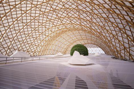 Japan Pavilion EXPO 2000, Hanover, Germany by Shigeru Ban Architects. Photography: Hiroyuki Hirai.