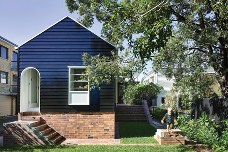West End Cottage by Vokes and Peters (with Owen and Vokes and Peters). Winner: House Alteration and Addition under 200 m2. Photograph: Christopher Frederick Jones.