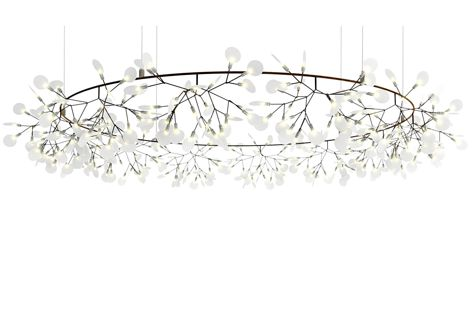 A delicate, weightless appearance characterizes the Big O suspension light from Space Furniture.