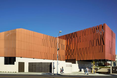 The Reflex range of through-coloured cement composite panels is offered in 12 colours.