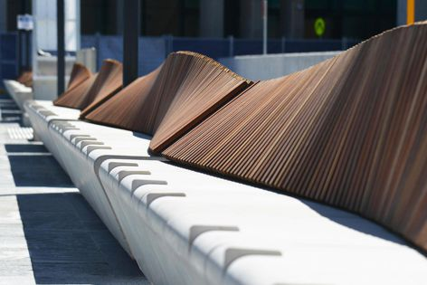 The materiality, form and scale of the Felix bench provide a natural counterpoint to the solidity of adjacent masonry.