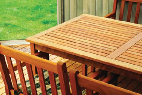 Totally non-toxic Hyne T3 Green is suitable for applications like pergolas and decks.