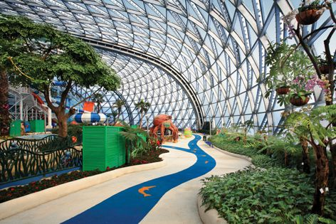 Interior of the Shenzhen East Huaqiao Water Park.